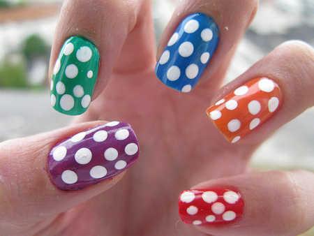 Un poco de colorblocking en tus uñas