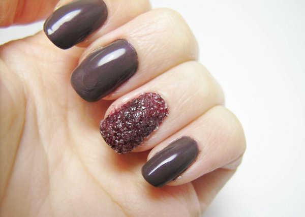 Puedes intercarlar las uñas con sal
