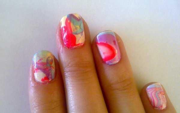 Decoración de uñas en agua ¡Lluvia de colores!