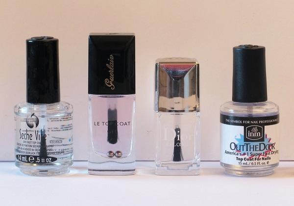 Elige un barniz de secado rápido y acabado brillante. ¡Tus uñas quedará perfectas!