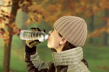 hidratarse-invierno-agua-mineral